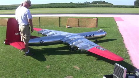 Foot Step Model Wing 6 engines and 19 foot wing span scale b 36 flys at