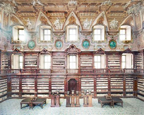 libreria napoli napoli biblioteca girolamini saccheggiata in carcere il