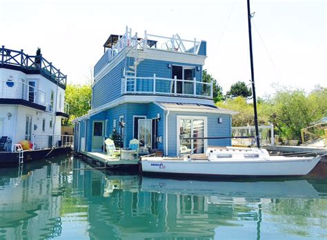 boat house for sale vancouver for sale toronto float homes