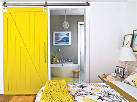 Yellow Barn Door Loft Cottage I Want To Live In A Barn