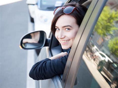 Kfz Versicherung Günstig Begleitetes Fahren by Das Erste Eigene Auto G 252 Nstig Versichern Finanz Reporter De