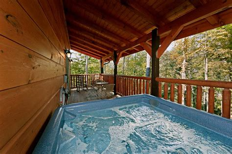 smoky mountain cabin with pool wears valley