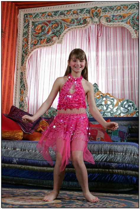 lane model lane model tv pinkskirt 020 modelblog