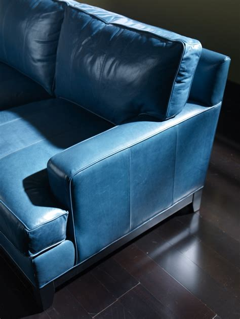 Blue Living Room Brown Sofa 25 Best Ideas About Blue Leather On Pinterest Blue Leather Sofa Leather Living