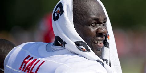 Ta Mba by Tamba Hali Nfl Player Leaves 1 000 Tip At Steakhouse