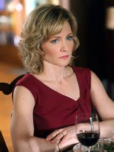 carlson new haircut on blue bloods amy carlson summer palette pinterest