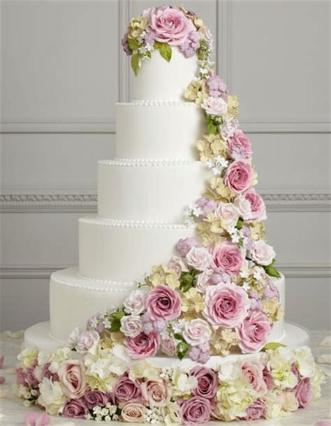Traumhafte Hochzeitstorten by Beautiful Cakes Weddingbee