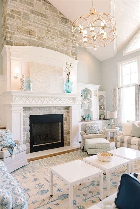 Paint Colors For Family Room With Fireplace by 25 Best Ideas About Fireplace On Brick