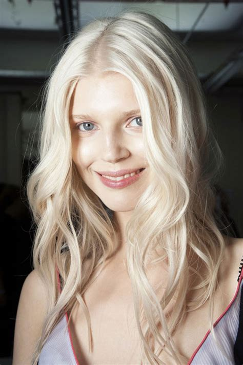 what hair colours are in for summer 2015 tendenze colore capelli primavera estate 2015 meches bionde