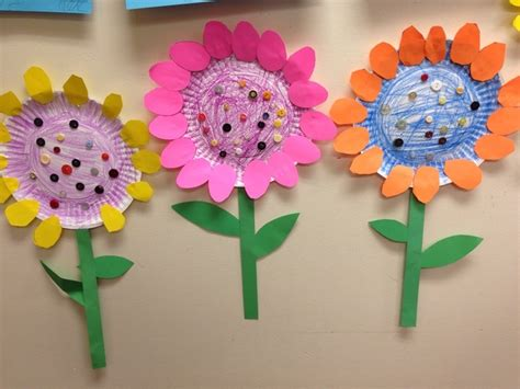 flower from paper craft paper plate flower crafts find craft ideas