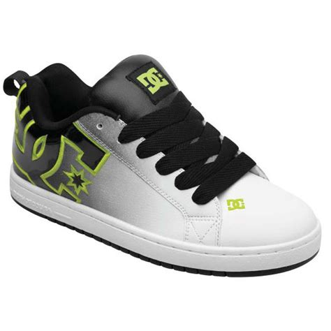 skater shoes dc court graffik se mens skate shoes in mens skate shoes