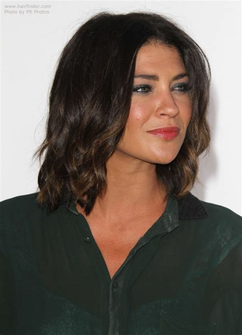 is a lob above the shoulders or shoulder length jessica szohr lob hairstyle or long just above the