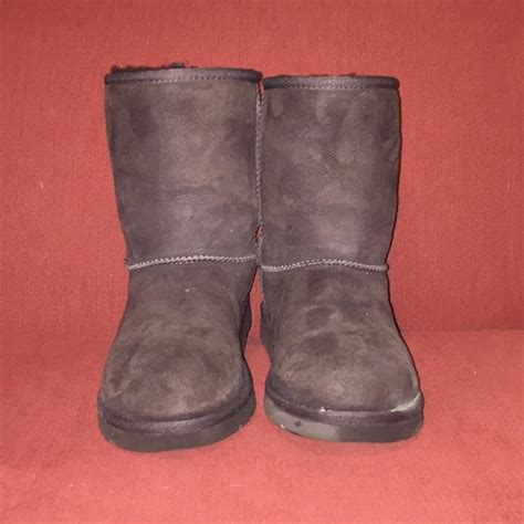 ugh boots for 53 ugg shoes brown ugh boots from livia s