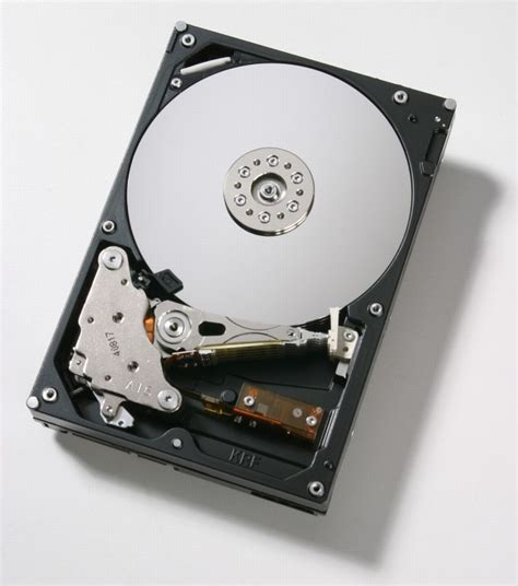 Hdd 500 Giga Techrestore Puts 500 Gigabyte Drive On Macbook Or Macbook Pro Slashgear