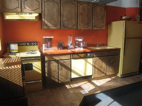 1970 s kitchen the one kitchen trend that should never leave laurel home