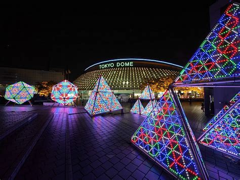 light sculptures feature elaborate christmas display 2