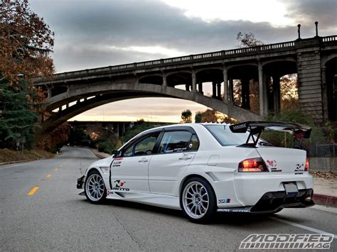 mitsubishi modified wallpaper mitsubishi lancer evolution 2006 modified wallpaper