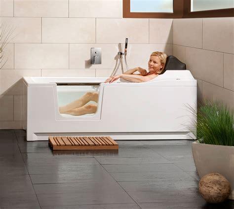 wanne in wanne preise barrierefreie badewanne mit lift und t 252 r saniku divina
