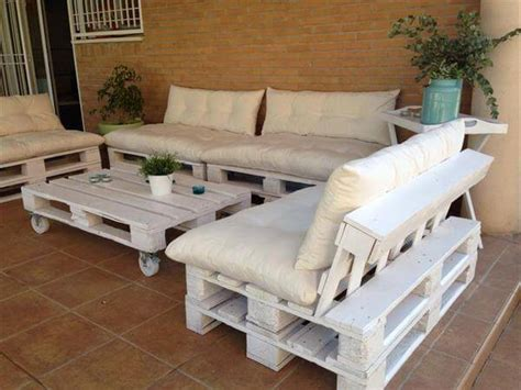 Wood Pallet Patio Furniture Diy Outdoor Patio Furniture From Pallets