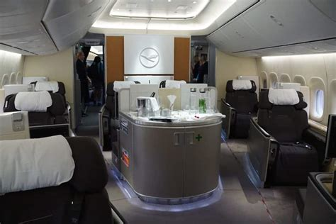Lufthansa 747 8 Cabin by Review Lufthansa 747 8 Class Los Angeles To Frankfurt