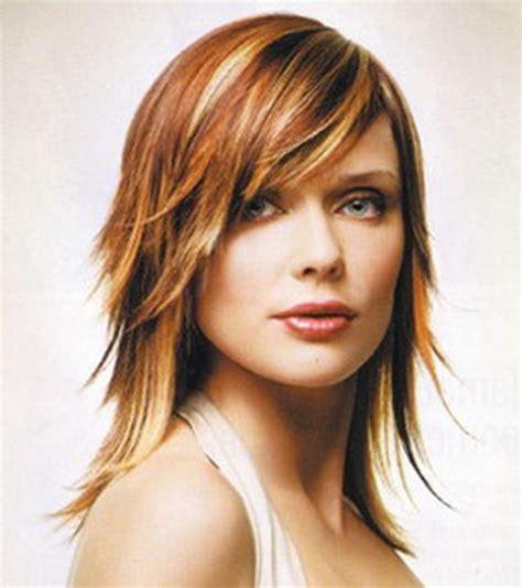 short to medium hairstyles with layers around the face short layered hairstyles with bangs
