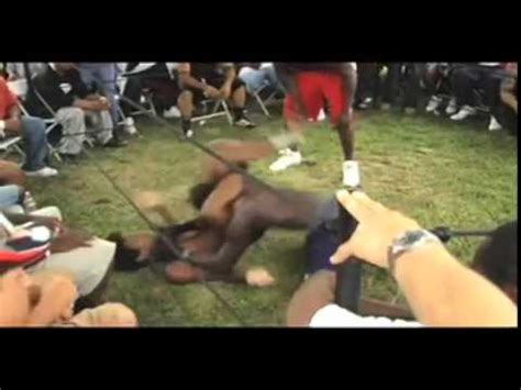 backyard ufc this is what happens when a ufc fighter gets into a street