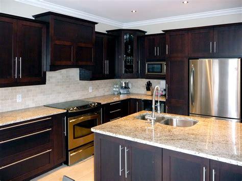 couleur de porte d armoire de cuisine couleur d armoire de cuisine obasinc com