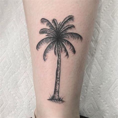 simple palm tree tattoo 25 best ideas about palm tree tattoos on