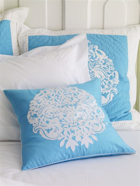 garnet hill coverlet lilly pulitzer to debut bedding line for garnet hill