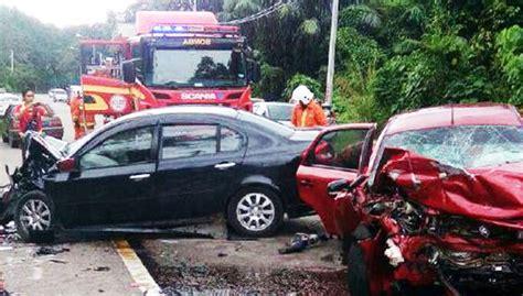 Kereta Bayi Di Makassar 4 sekeluarga termasuk 2 bayi kembar maut di tin free