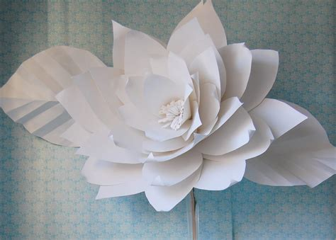 Papers Flowers - chanel show inspired large white paper flowers