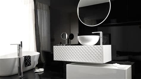 Ordinaire Porcelanosa Salle De Bains #7: 08185412-photo-mur-et-sol-noir-salle-de-bains.jpg