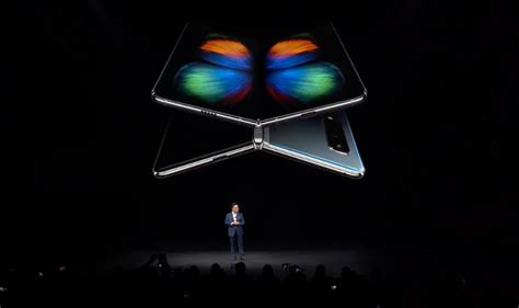 samsungs foldable phone   real meet  galaxy