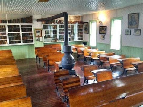 Pioneer School House Pictures