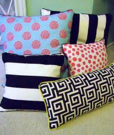 no sew decorative pillows 15 no sew diy pillow ideas world inside pictures