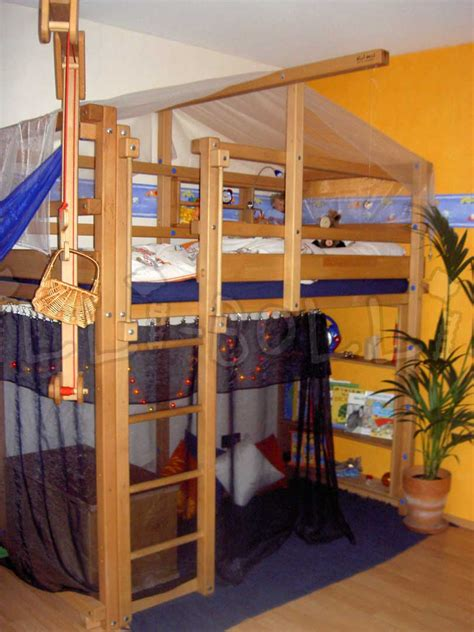 Age For Bunk Beds Bunk Beds Age Bunk Beds What Age Is Appropriate Quot Deal Quot Ectable Mommies Loft Bed