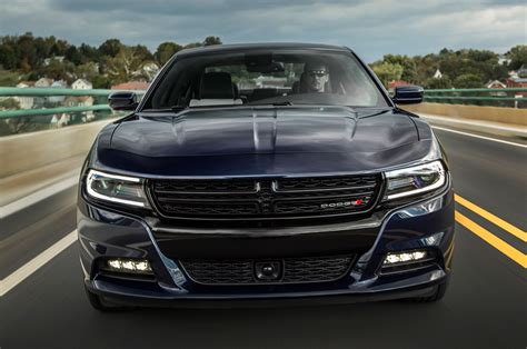 2015 dodge charger sxt 2015 dodge charger sxt awd front view in motion photo 2
