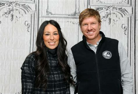 chip and joanna gaines net worth plunged in debt can you guess how much chip and joanna make from fixer