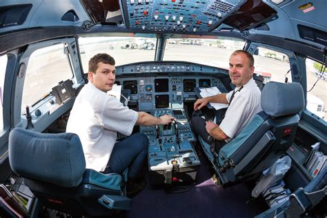 la cabina vista interior de la cabina de un avi 243 n comercial en 360