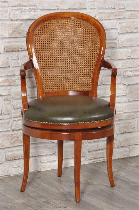 divanetti in pelle poltroncina di lusso girevole con braccioli seduta in