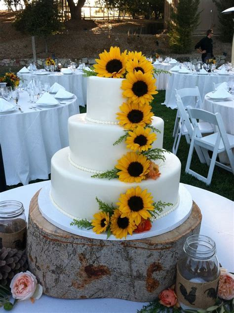 311 best Sunflower Weddings images on Pinterest   Floral
