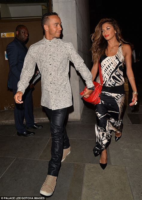 Nicole scherzinger and lewis hamilton get up close and personal in