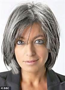 32 best short haircut for older women