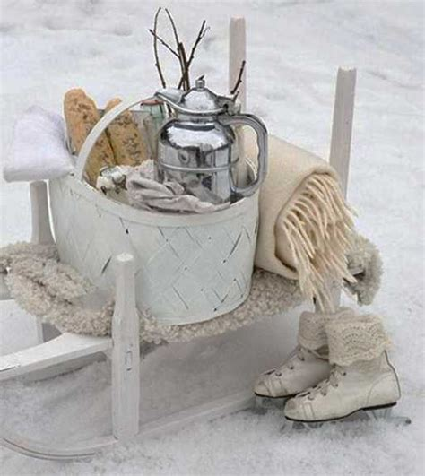 winter decoration ideas and food for delicious picnic on
