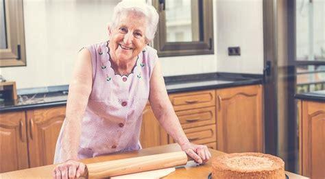 cuisiner à domicile le site lou pap 233 permet de louer une grand m 232 re pour