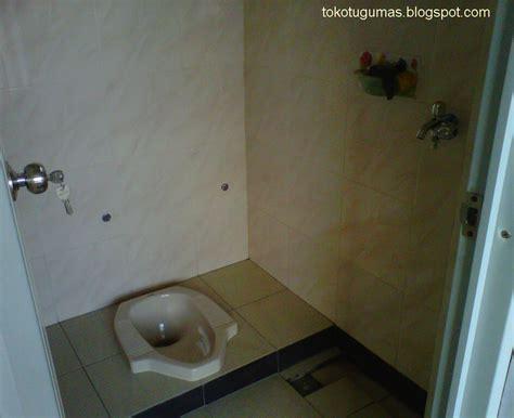 keramik dinding kamar mandi  ukuran  data