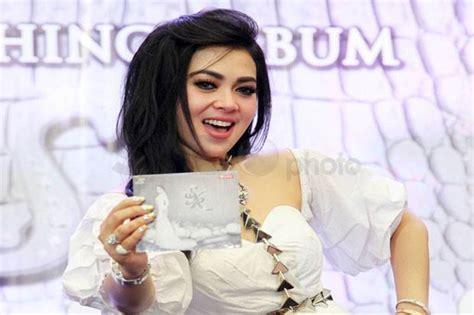 Princes Syahrini Batik princess syahrini album mimpi syahrini