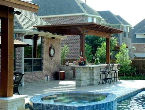 backyard designs with pool and outdoor kitchen best 20 small outdoor kitchens ideas on pinterest