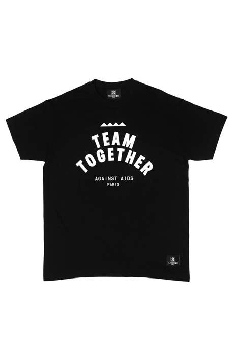 T Shirt X 04 together la marque streetwear qui soutient le sidaction