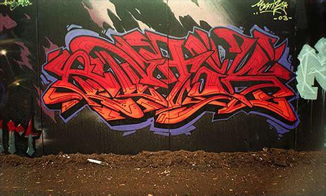 graffiti color scheme red